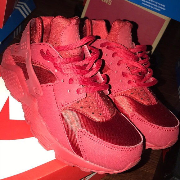 Women's Red Huaraches Running Sneakers